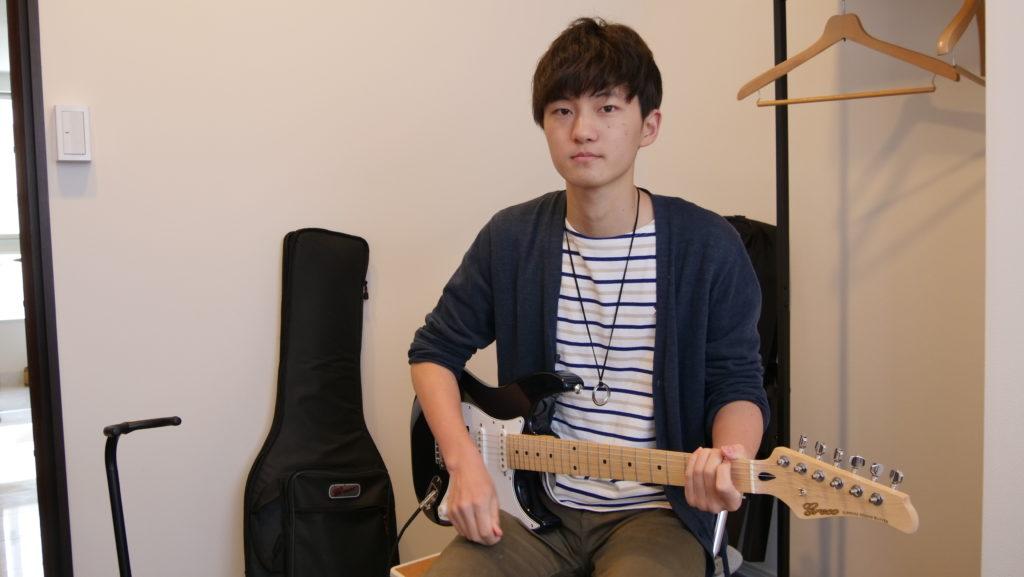 エレキギター科 梨木恵那さん